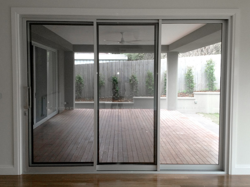 Flyscreens and Flydoors Melbourne